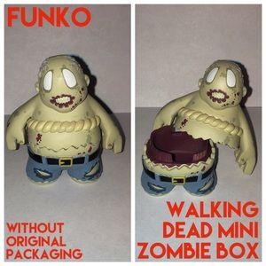Funko Vinyl Walking Dead Mini Zombie Walker Box